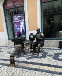 statues humaines